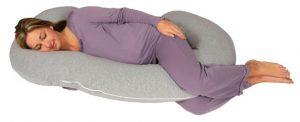 pregnant women sleeping in pregnancy pillow